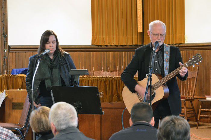 Jennifer Gilbert accompanying her father Jeff with vocals.