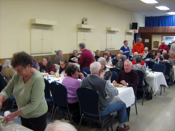 The other half of the room with the guests at the Munster United Church chili Dinner and Dance with music by Doug and Pam Champagne - 30 January 2016. Photo by Keith Lindsey